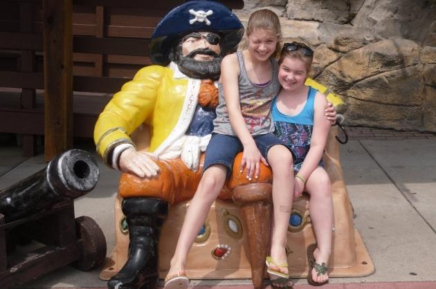 girls on pirate
